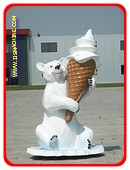 IJsbeer met softijsje, hoogte: 1,85